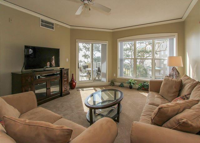 Living Area - 6304 Hampton Place-Beautiful Oceanfront Villa! AVAILABLE 5/30 & 7/25 week - Bluffton - rentals