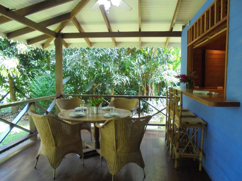 Terrasse - dining room - Casa Mar y Luz, spacious house in Playa Chiquita - Puerto Viejo de Talamanca - rentals