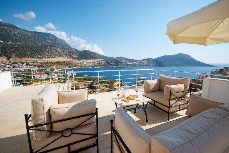Enjoy drinks on the Roof Terrace - Villa Emily, Kalkan, Turkey - Kalkan - rentals