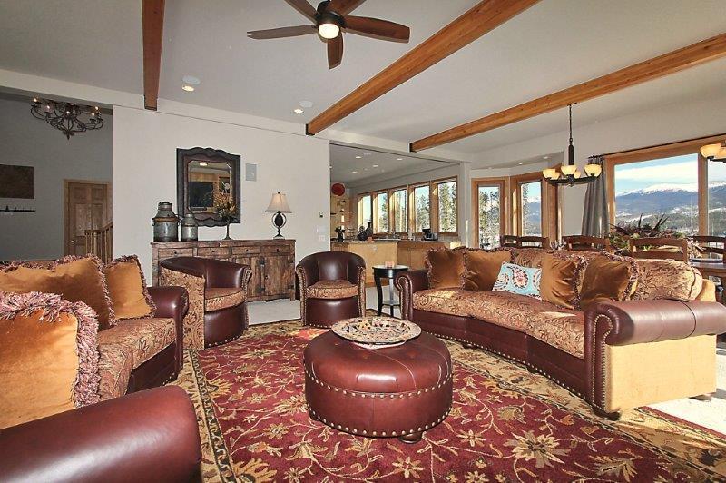 Rich mountain decor - Eagle Wind Lodge - Winter Park - rentals