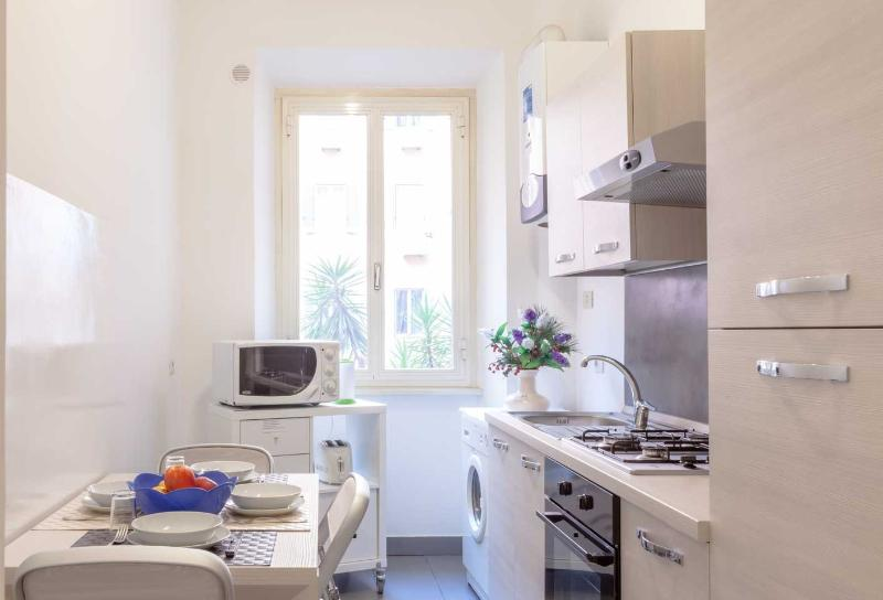 full equipped kitchen - Rome...in the heart - Rome - rentals