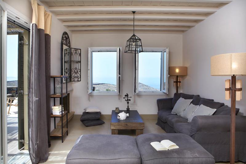 Diles & Rinies | Premium Three Bedroom Villa - Diles & Rinies 3 Bedr. Villa in Tinos - Tinos - rentals