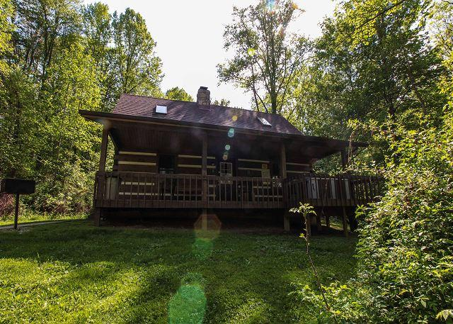 Beautiful Log Cabin near Lake Logan - Image 1 - Logan - rentals