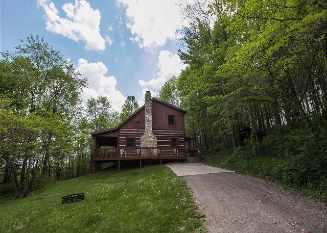 Hocking Hills Cabin with Hot Tub and Game Room - Image 1 - Logan - rentals