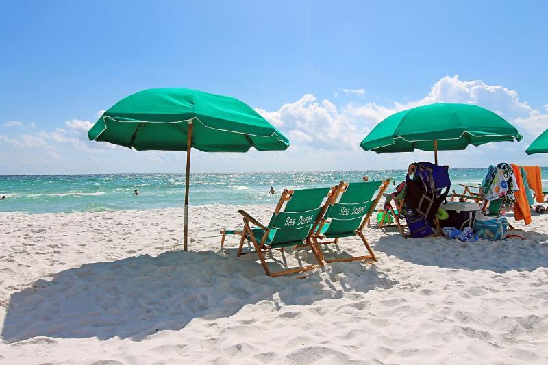Sea Dunes 204-3BR/3BA-BEACH Svc-**Buy3Get1Free NOWthru 2/29**GulfFront-Corner - Image 1 - Fort Walton Beach - rentals