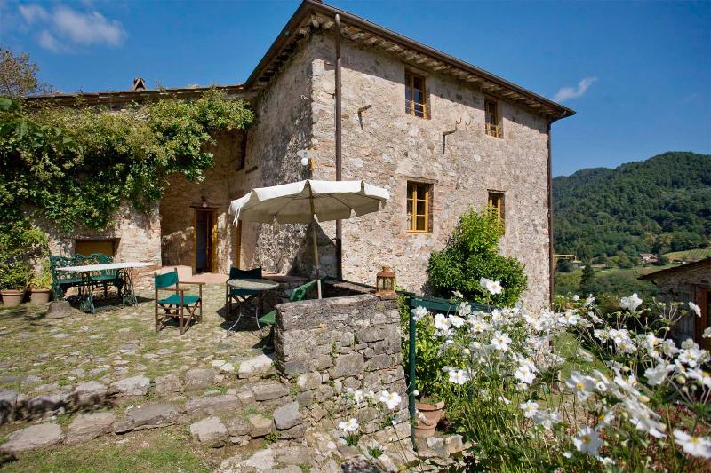 Villa in Bottino | Rent Villas | Classic Vacation - Image 1 - Lucca - rentals