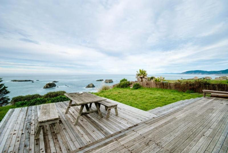 Dog-friendly home w/ocean views right outside your windows & a private hot tub! - Image 1 - Westport - rentals