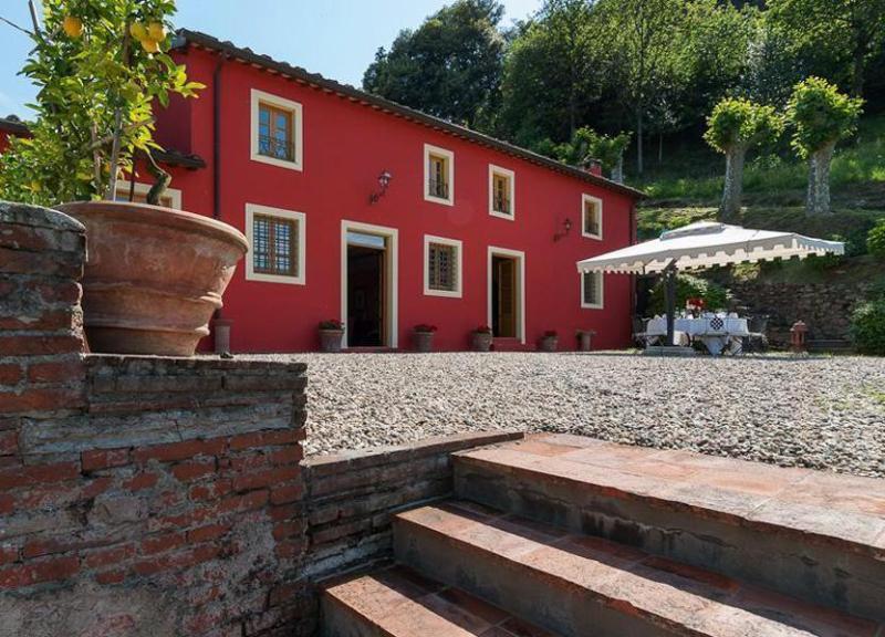 Side view of the Villa Vigna - Villa Vigna - Capannori - rentals