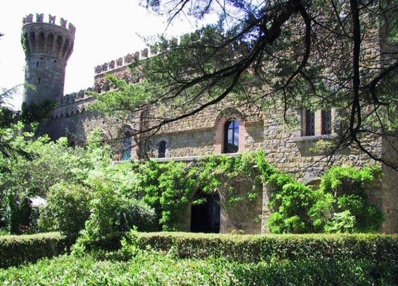 Plants around the villa IL Borgia - Castle Il Campo di Sopra - Arezzo - rentals
