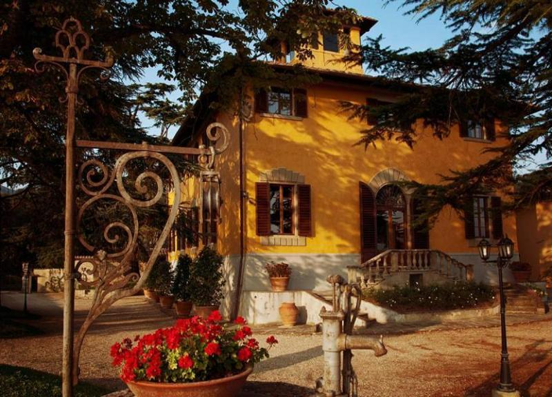 View of the Villa Medici entrance - Villa Medici - Vicchio - rentals