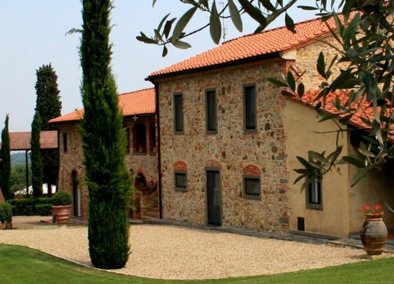 Side view of the villa - Borgo Fattore - Bucine - rentals