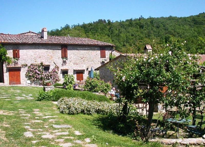 Longer view of the villa - Villa Crescenzo - Panzano In Chianti - rentals