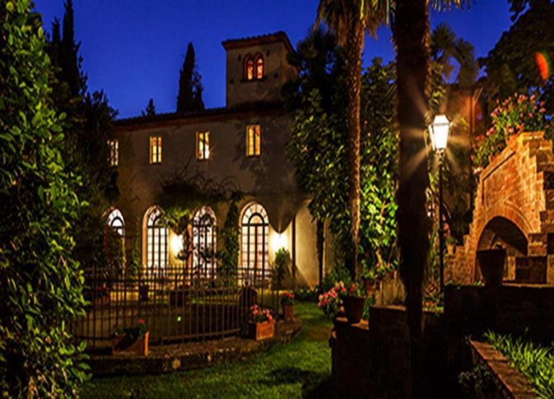 Beautiful Villa Leone in the evening - Villa Leone - Sinalunga - rentals