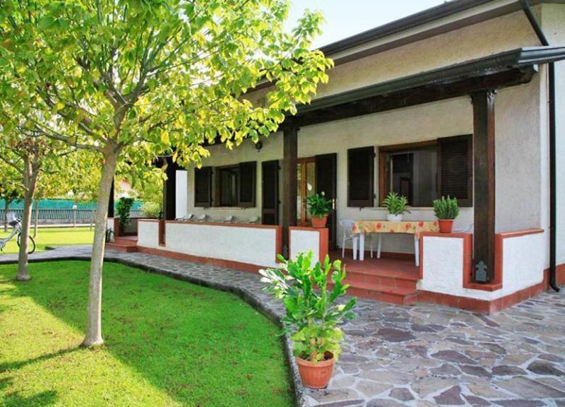 Villa Gardenia - Image 1 - Forte Dei Marmi - rentals