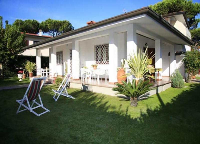 Villa Corlina - Image 1 - Forte Dei Marmi - rentals