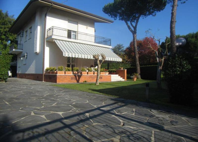 Entry to the Villa Ortensia - Villa Ortensia - Forte Dei Marmi - rentals