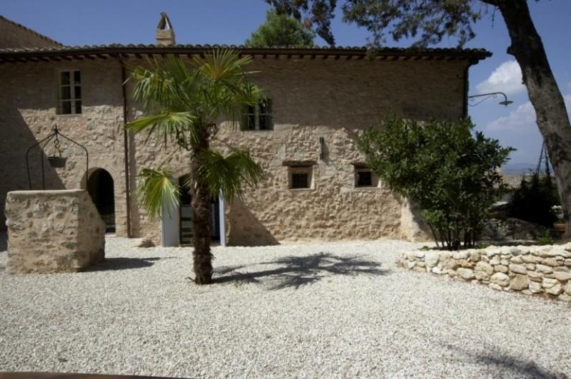 Sunny day view of Villa Spoleto - Villa Spoleto - Spoleto - rentals