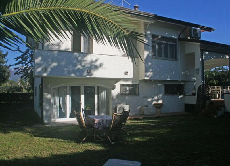 Main view of the Villa Lucia - Villa Lucia - Forte Dei Marmi - rentals