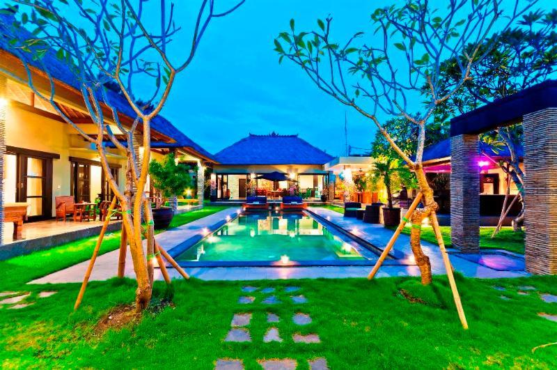 Villa Mahkota - Seminyak Gardens - Image 1 - Seminyak - rentals