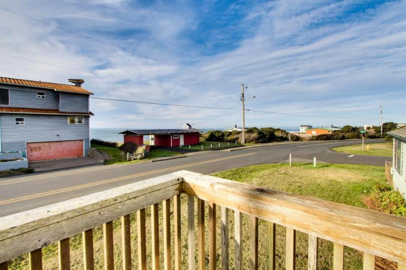 Dog-friendly home w/ ocean views, entertainment & easy beach access! - Image 1 - Yachats - rentals