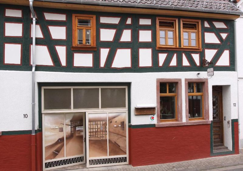 LLAG Luxury Vacation Home in Egelsbach - historical, comfortable, wood furnishings (# 3369) #3369 - LLAG Luxury Vacation Home in Egelsbach - historical, comfortable, wood furnishings (# 3369) - Egelsbach - rentals