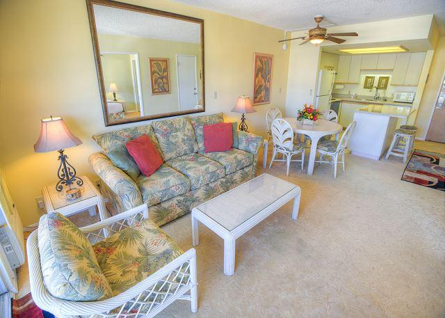 Beautifully Decorated 1-Bedroom with a Partial Ocean View - Image 1 - Kihei - rentals