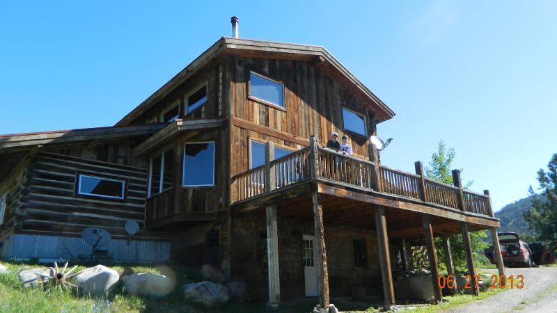 Sunny Slope Lodge - Custom Log Home - Gardiner - rentals