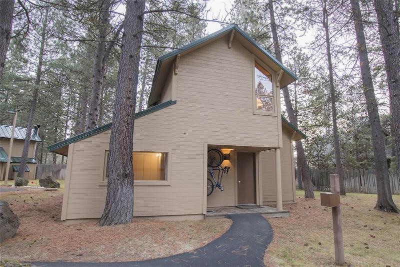 #28 Ranch Cabin - Image 1 - Sunriver - rentals