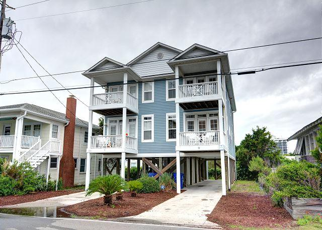 Flagshipd - Flagship - Deluxe duplex with ocean views, across the street from the beach - Carolina Beach - rentals