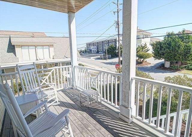 Lower Deck - Harris- Ocean view townhouse located on the south end with easy beach access - Wrightsville Beach - rentals