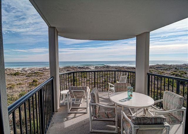 Oceanfront covered balcony - DR 2204- Lovely oceanfront condo featuring easy beach access, pool and tennis - Wrightsville Beach - rentals