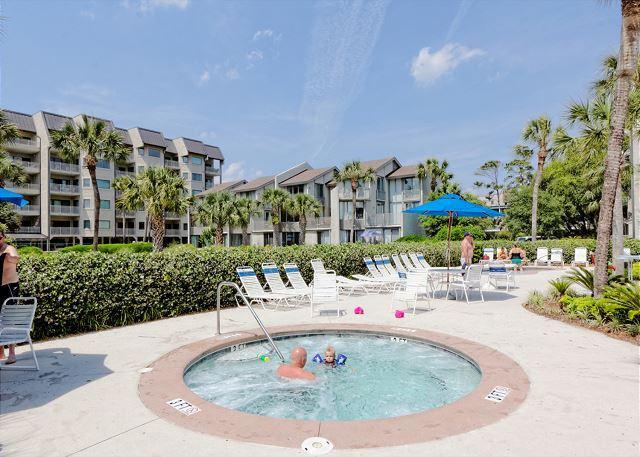Amazing pool area - Shorewood 336, 2 Bedrooms, 3rd Floor, Large OceanFront Pool,  Sleeps 6 - Hilton Head - rentals
