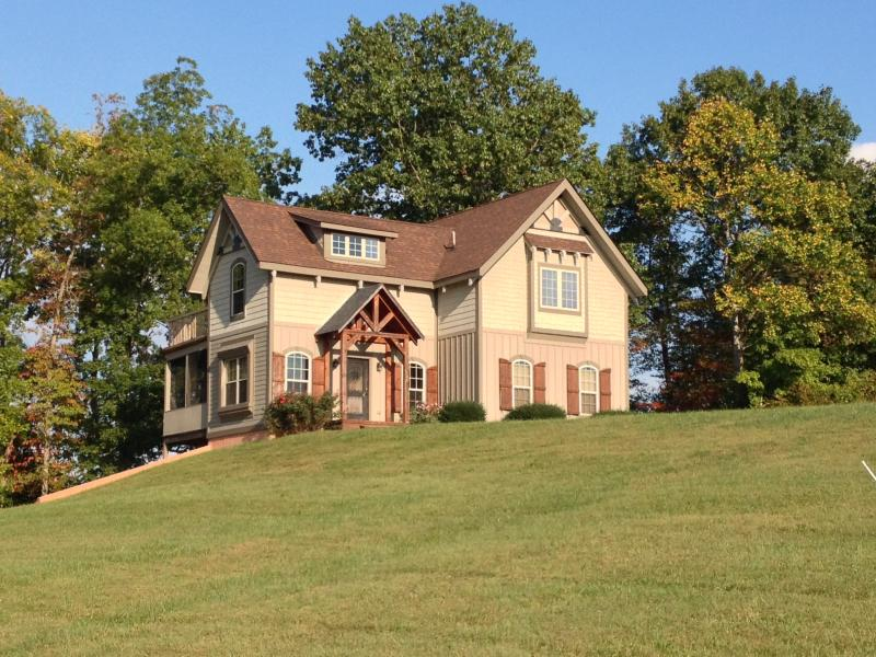 Lake Front  Home On Nolin 13-miles to Mammoth Cave - Image 1 - Clarkson - rentals