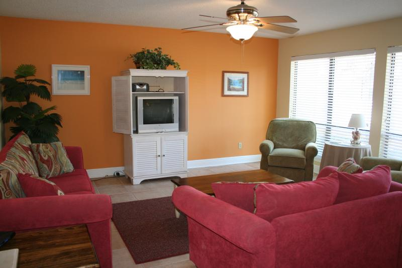 Just renovated living room! - BEAUTIFUL NAVARRE BEACH CONDO JUST STEPS TO BEACH! - Navarre - rentals