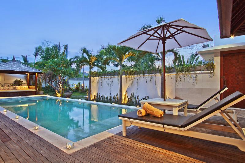 The Christin - Pool view from the open plan living and dining area - The Christin - 3 Bedroom Luxury Villa in Seminyak - Seminyak - rentals
