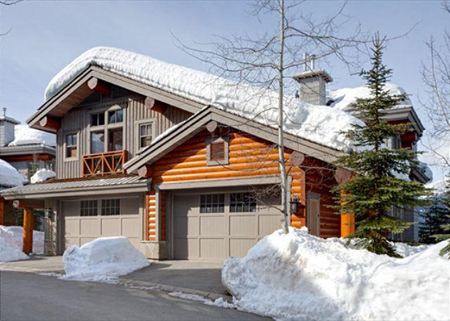 Exterior View of Property in Winter - Taluswood The Heights 18 | 3 Bedroom Ski-in/Ski-out Townhome, Private Hot Tub - Whistler - rentals
