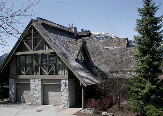 Exterior View of Pinnacle Ridge - Pinnacle Ridge 21   Whistler Platinum   Close to Ski Access, Private Hot Tub - Whistler - rentals