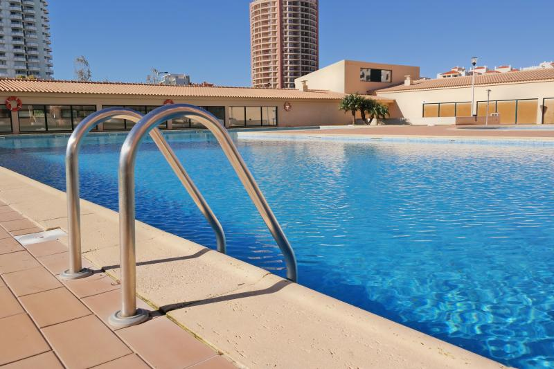 Holiday home with pool in Praia da Rocha - Image 1 - Portimão - rentals