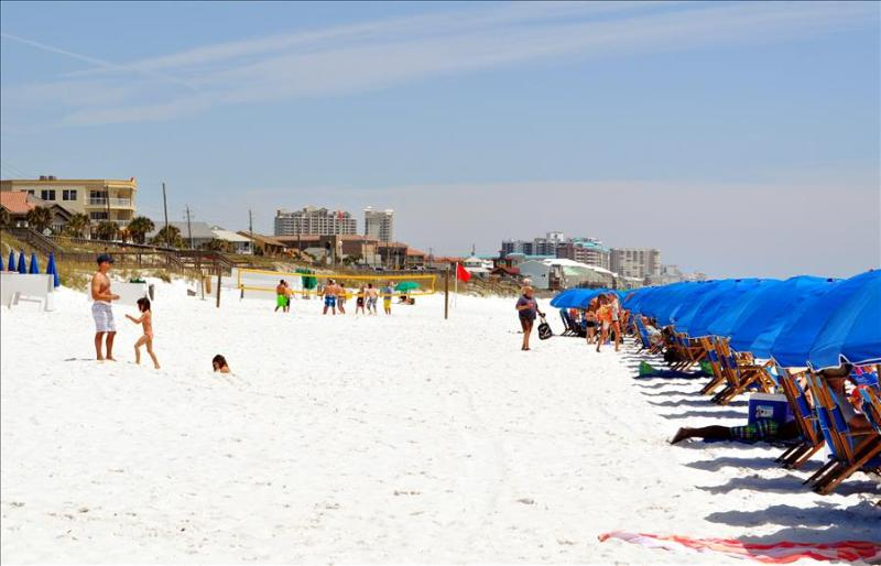 """Beach Resort Unit 506"" or ""Destin Dreamer"", Covered Parking, Top Floor, Sleeps 6!! - Image 1 - Miramar Beach - rentals"