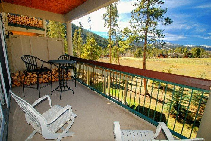 Spacious balcony overlooking panoramic views of the River Golf Course and the Colorado Rocky Mountains - Pines Condominiums 2143 - Remodeled kitchen, spacious accommodations, golf course views! - Keystone - rentals