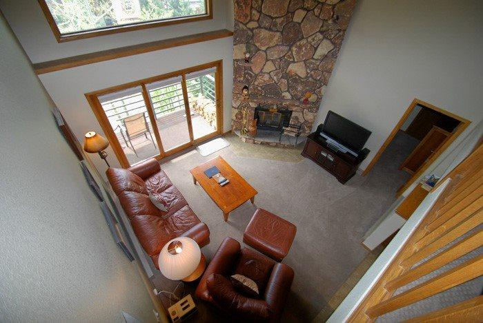 Loft overlooking the living room with vaulted ceilings - Snowdance Manor 409 - Walk to slopes, indoor pool and hot tub, Mountain House! - Keystone - rentals