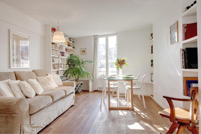 LOUVRE CHATELET XXII : great 2BR near the Louvre - Image 1 - Paris - rentals