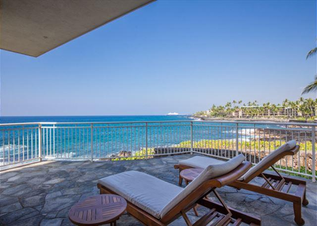 Enjoy the surf crashing on your ocean front lanai - 3 bedroom OCEANFRONT home in gated community, Alii Point 12-PH12Alii - Kailua-Kona - rentals
