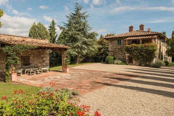 Imposing stone-built farmhouse 1km from the village of Radda in Chianti. SAL CMP - Image 1 - Chianti - rentals