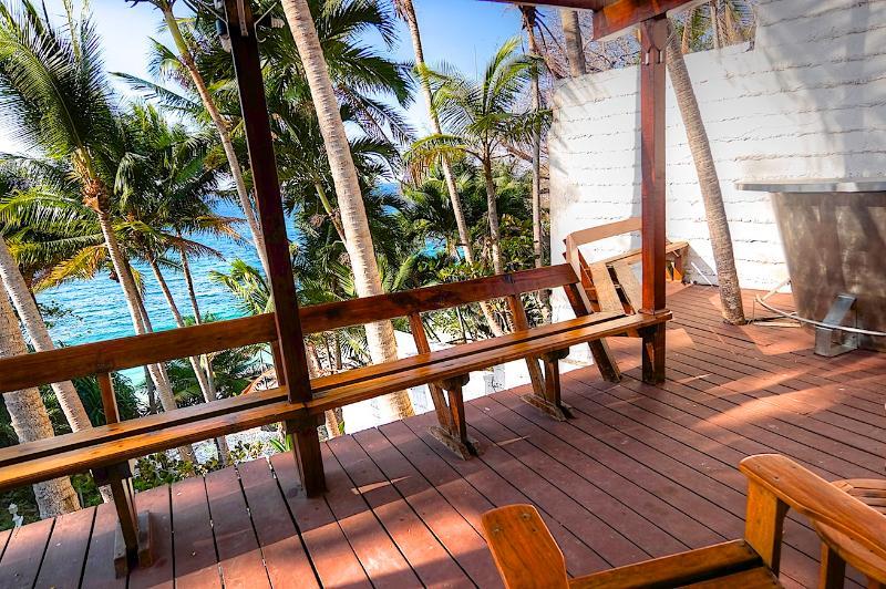 Deck - Contadora - Villa Presili: a secluded & quiet beach front villa, with an ideal location... - Contadora Island - rentals