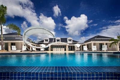 Immaculate 6 bedroom Villa in Terres Basses - Image 1 - Terres Basses - rentals