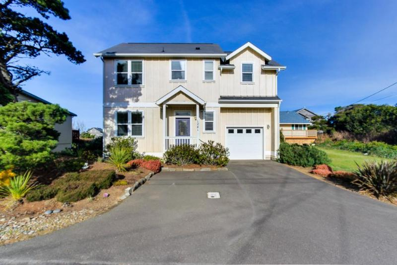 Dog-friendly home w/ private hot tub & ocean views + walk to the beach! - Image 1 - Lincoln City - rentals