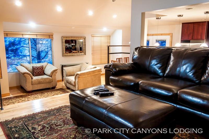 Hidden Creek 2A: Breathtaking Mountain Views, Open Floor Plan, and Easy Access to Canyons - Image 1 - Park City - rentals