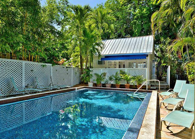 Shared Pool - Colony Poolside: A charming bungalow near the historic cemetery - Key West - rentals