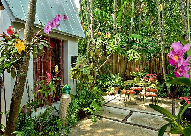private patio with grill - Namaste : A blissful one bedroom cottage designed with relaxation in mind. - Key West - rentals